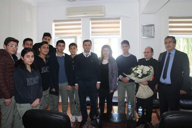 Marmaris'te öğrenciler Mehmetçiği ınutmadı