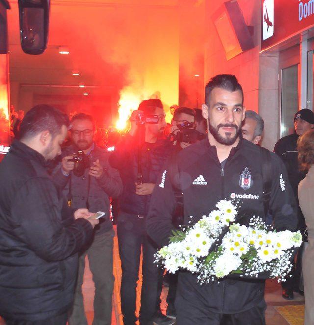 Beşiktaş kafilesi Konya'da coşkuyla karşılandı