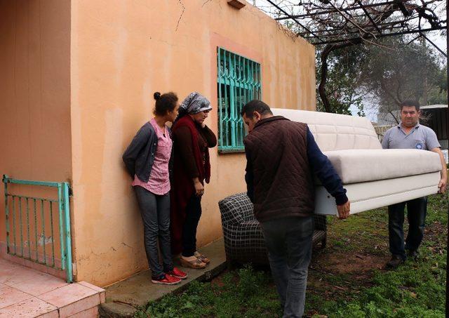 Büyükşehir'den yangınzede aileye yardım
