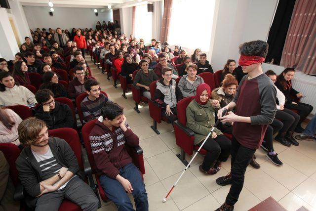 """Kartal Belediyesi'nden öğrencilere """"Engelliler Hakkında Farkındalık Eğitimi"""""""