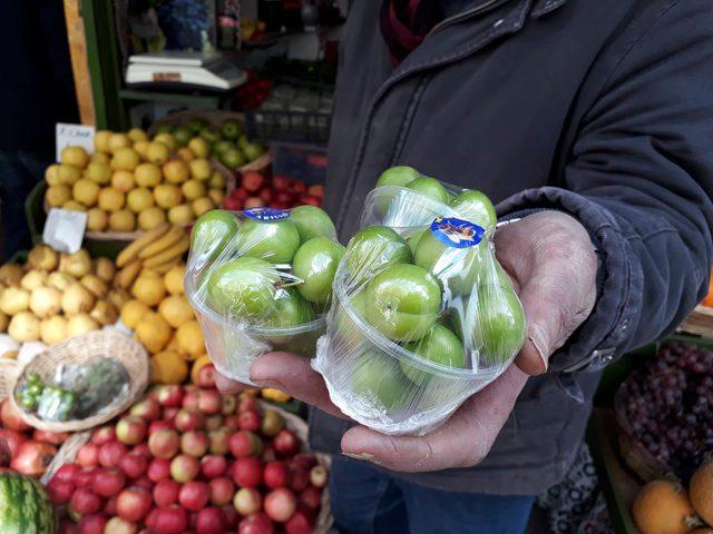 Yeşil eriğin kilosu 500 lira 21