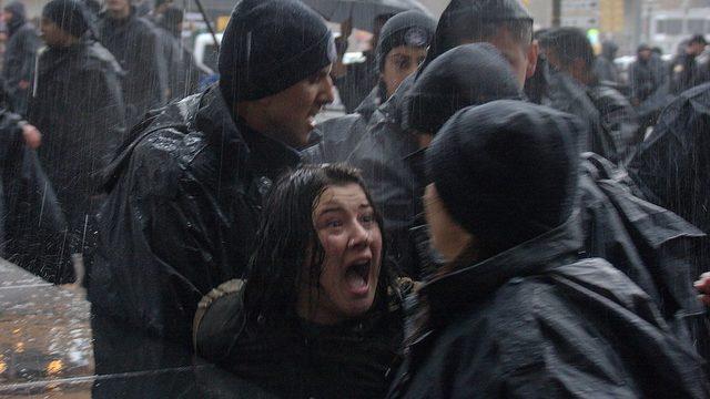 Ankara'da 4 Mart'ta düzenlenen kadın yürüyüşüne polis sert şekilde müdahale etti