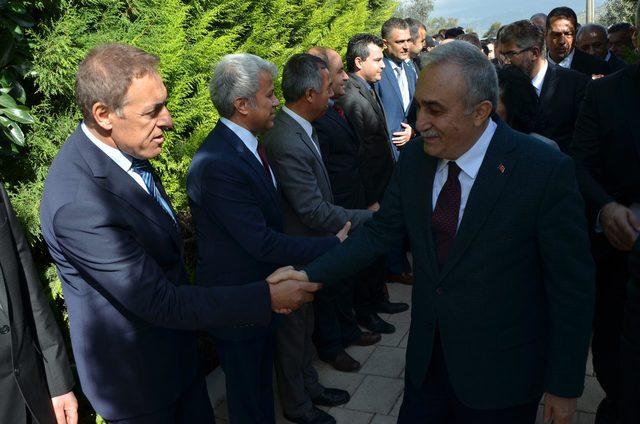 Bakan Fakıbaba, Milas'ta fuar açılışına katıldı