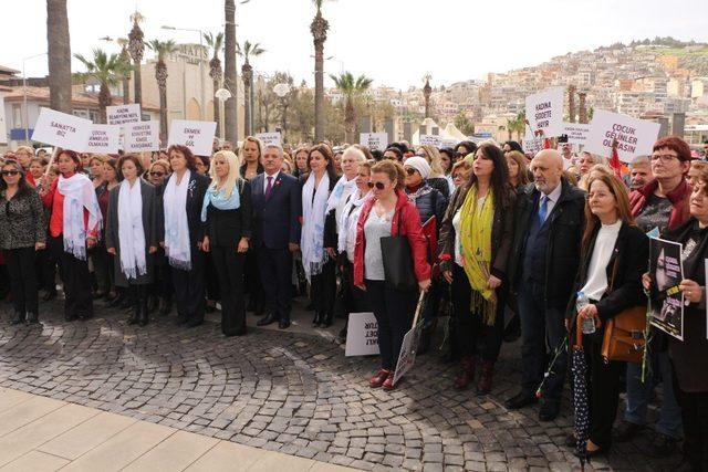 Kuşadası'nda Dünya Kadınlar Günü kutlamaları