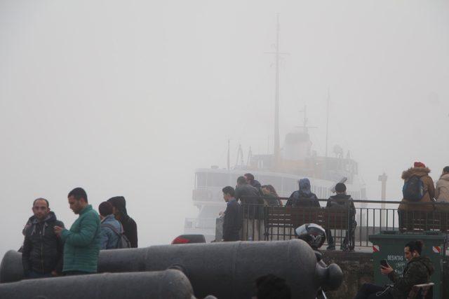 Deniz ulaşımına sis engeli... Şehir Hatları vapur seferlerini iptal etti