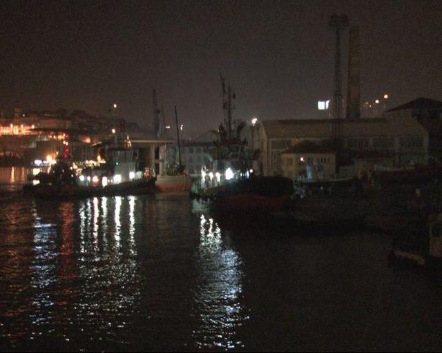 Yeni Karaköy Yolcu Salonu, Haliç Tersanesi'ne ulaştı
