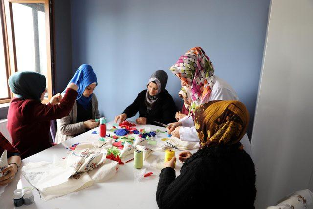 Mardinli kadınlar öğrenirken, üretiyor