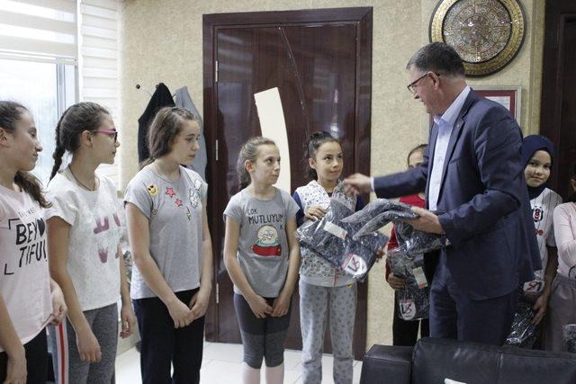 Başkan Duymuş 'tan genç sporculara destek