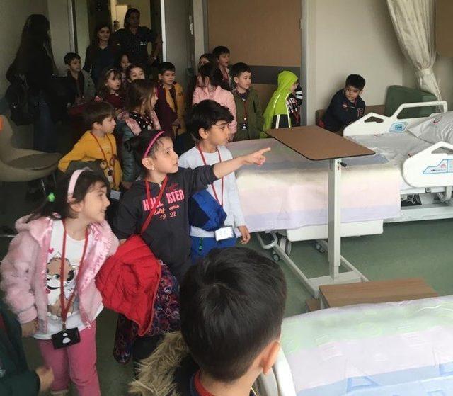 Minik öğrenciler Tıp Bayramını kutladı