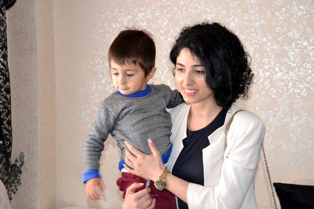 Siirt'in ilk kadın başhekimi Şeyda Kayhan, şehit ailelerini ziyaret etti
