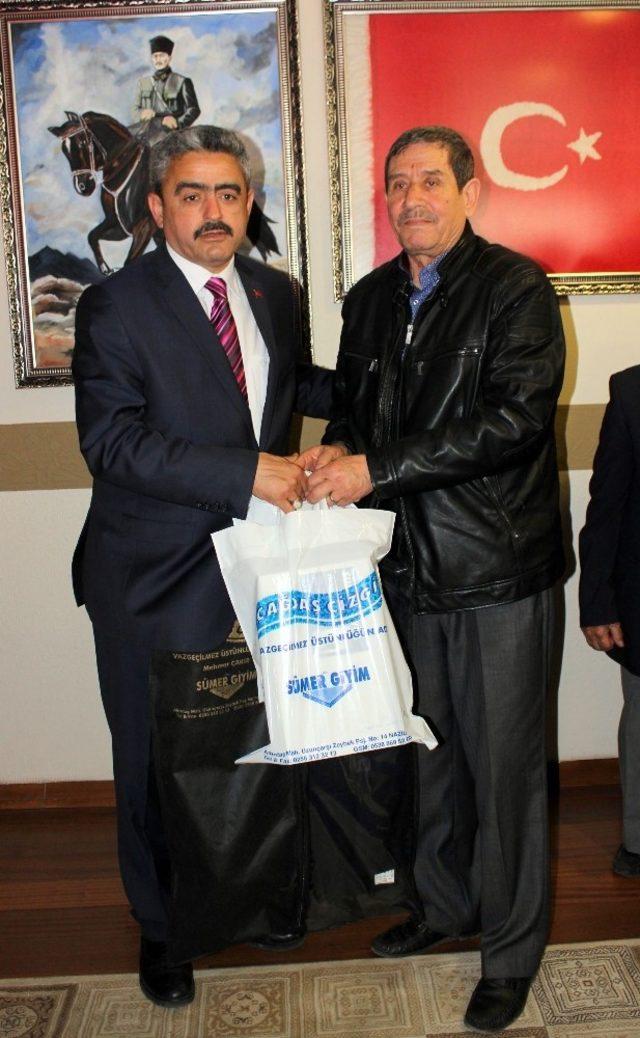 Başkan Alıcık 'tan gazilere anlamlı hediye
