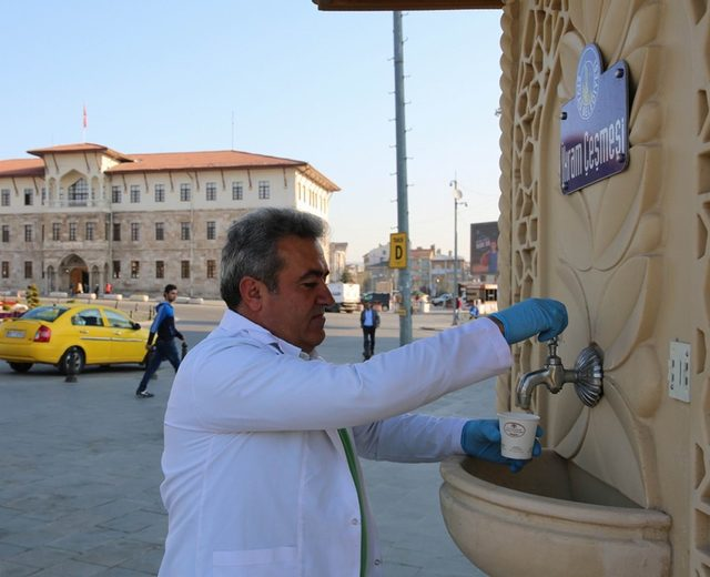 Belediyeden vatandaşlara çorba ikramı