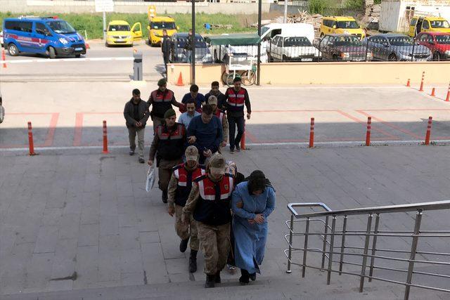 Edirne'de 11 FETÖ şüphelisi yakalandı