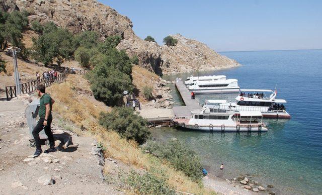 Van Gölü'nde deniz otobüsleri seferleri başlıyor