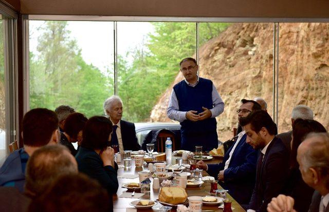 Mustafakemalpaşa'nın yatırımları masaya yatırıldı