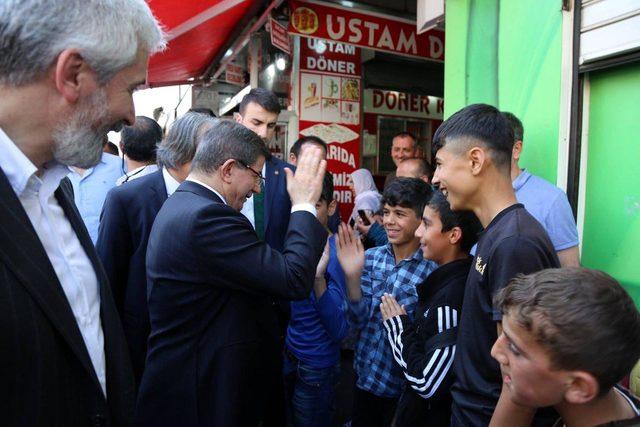 Davutoğlu: Kudüs yeni bir Selahaddin Eyyubi bekliyorsa, Diyarbakır hazırdır