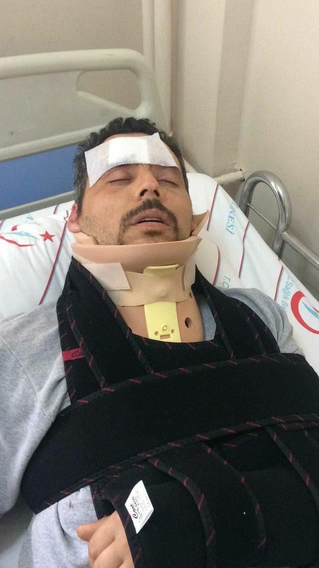 Hemzemin geçitte trenin çarptığı otomobilin sürücüsü yaralandı