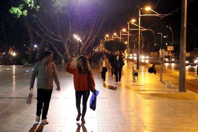 Antalya şehir merkezinde deprem önemsenmedi