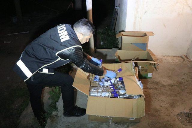 Aksaray'da yüzlerce şişe sahte içki ele geçirildi