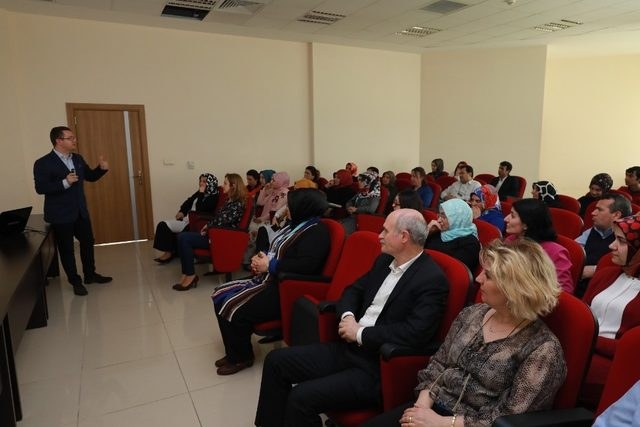 Körfez Belediyesi'nden personeline sağlıklı yaşam semineri