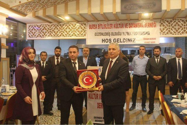 Bitlis'te dayanışma yemeği düzenlendi