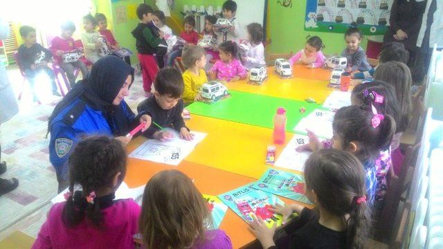 Bitlis'te çocuklara polislik mesleği tanıtıldı