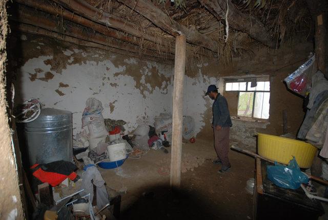 Derme çatma evde korku içerisinde yaşam