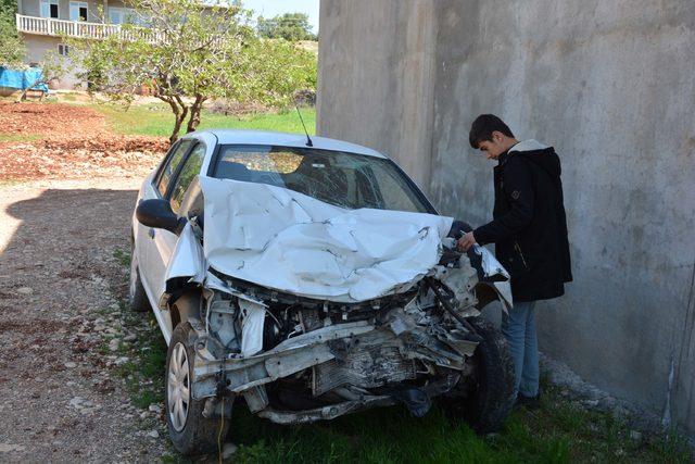 Diyaliz hastalarını taşıyan minibüs ile otomobil çarpıştı: 11 yaralı
