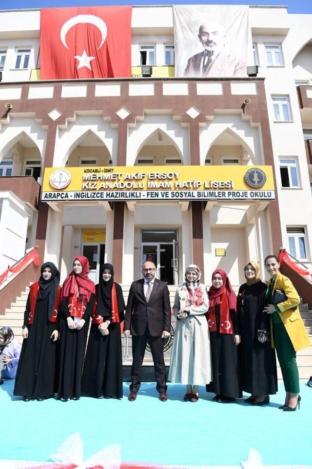 Başkan Üzülmez'den dünya şampiyonlarına burs sözü