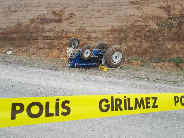 Kullandığı traktörün altında kalan Esra, toprağa verildi