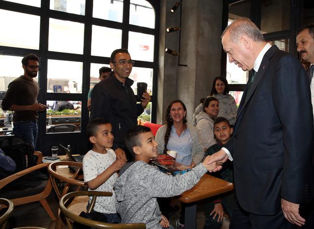 Cumhurbaşkanı Erdoğan'dan kafeye sürpriz ziyaret
