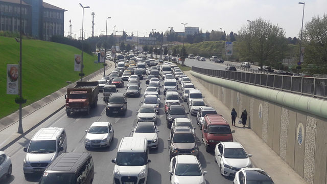 Yeşilköy'de aynı gün 5 fuar trafiği kilitledi