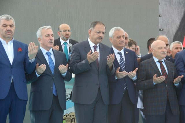 """Bakan Özhaseki: """"Kayseri'de hizmet belediyeciliği yaptık"""""""