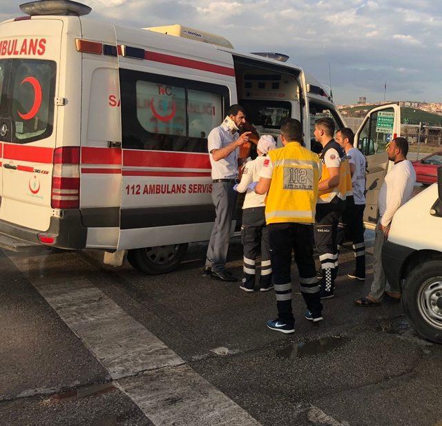 Başkent'te yarım saat arayla iki ayrı kaza: 11 yaralı