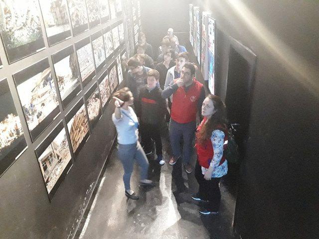 Trabzon Ve Çankırılı gençler Deprem Müzesi'ni gezdi