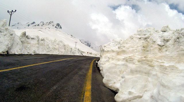 Baharda 3 metre karla mücadele