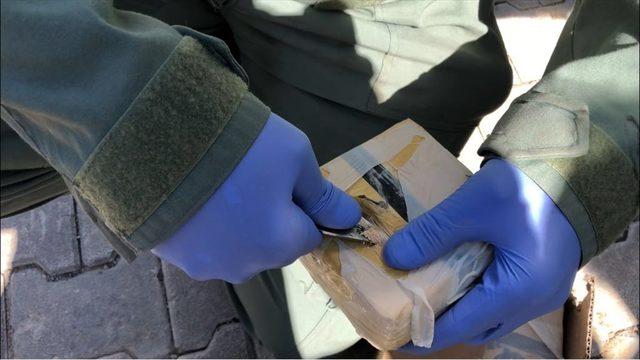 Van'da dondurma kamyonunda eroin ele geçirildi