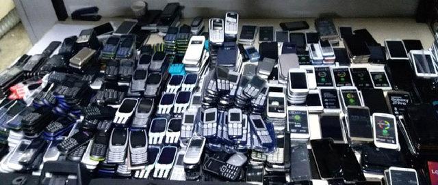 Ankara'da 1,5 milyon liralık kaçak cep telefonu ele geçirildi