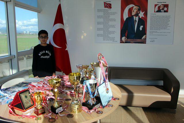 Küçük satranç ustası Efe Metehan Yavuz'un büyük başarısı