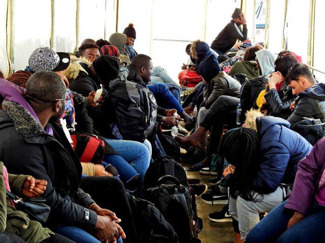 Çeşme'de 46 kaçak yakalandı