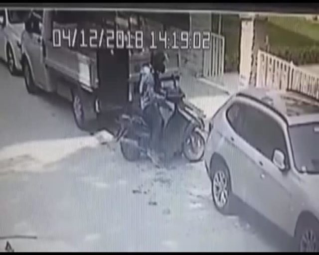 Anahtarı üzerinde unutulan motosiklet böyle çalındı