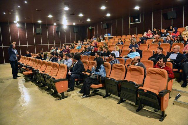 'Sosyal Medya Uzmanlığı' eğitim programında dersler başladı
