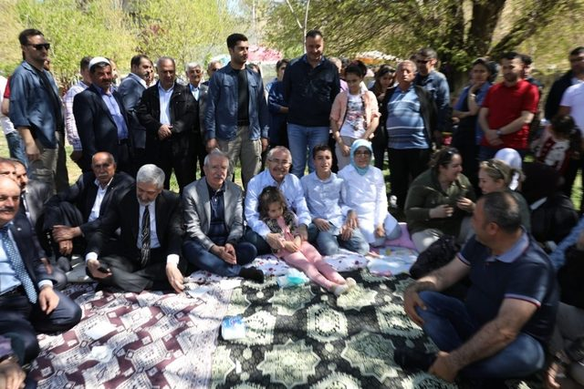 Milletvekili Miroğlu şehitler için mevlit verdi