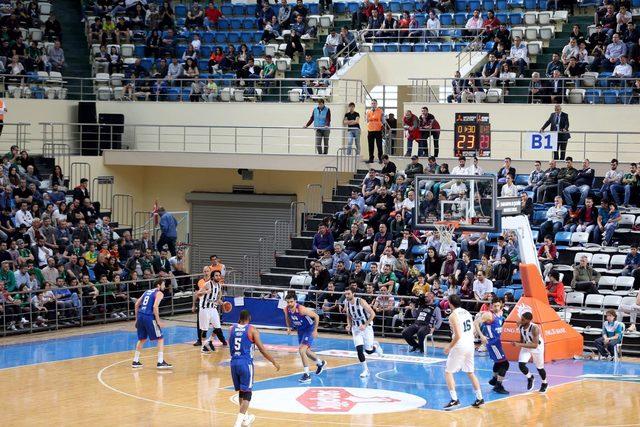 Sakarya Büyükşehir Basketbol-Anadolu Efes: 74-100