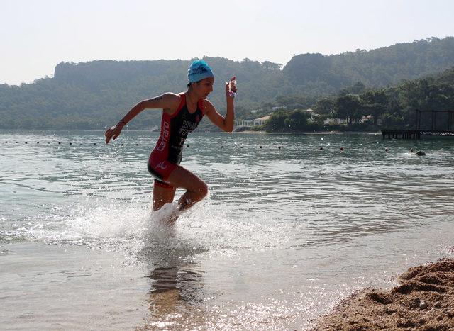 Carraro Kemer Triathlonu tamamlandı