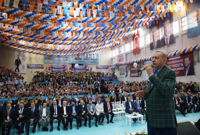 Erdoğan: FETÖ'nün sosyal medya terörizmine asla boyun eğmedik