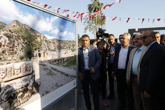 Çavuşoğlu'ndan otelciler ve tur şirketlerine 'kriz' eleştirisi