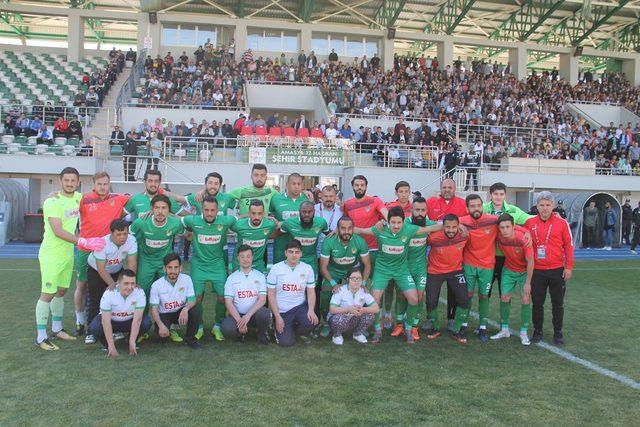 Brezilyalı golcü Kahe futbol kariyerini sonlandırdı