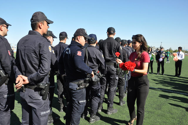 Amatör maçta gerginlik: 1'i polis 2 yaralı