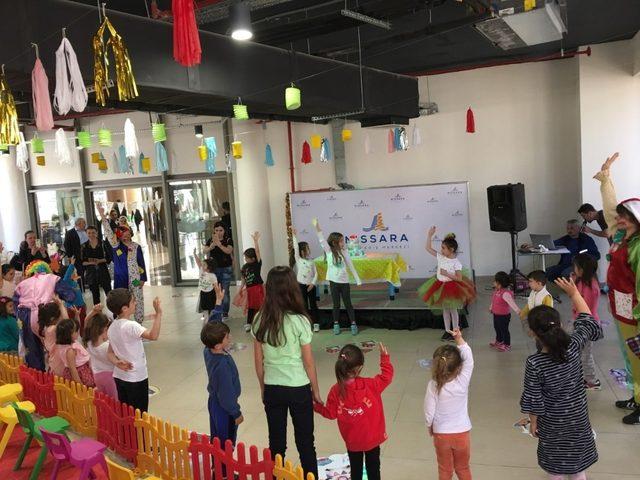 Çocuklar doğum gününü Nissara AVM'de kutladı